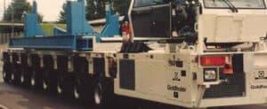 LKW Abmessungen | Maße von einem weißen Schwerlasttransporter